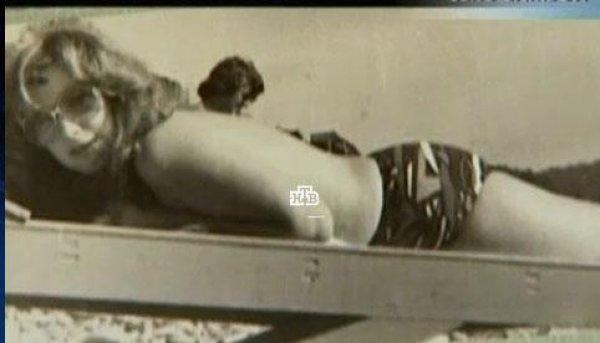 Алла Борисовна в откровенной фотосессии 30 лет назад