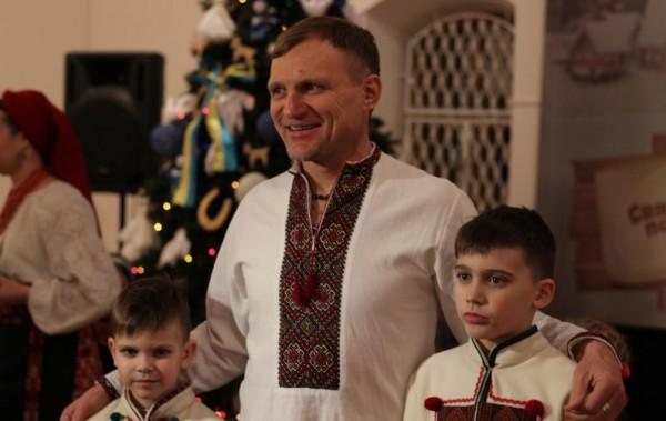 Скрипка с сыновьями на презентации альбома музыкального коллектива Райгородок