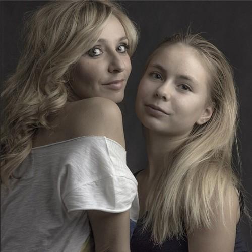 Татьяна Навка снялась в фотосессии с дочерью Александрой