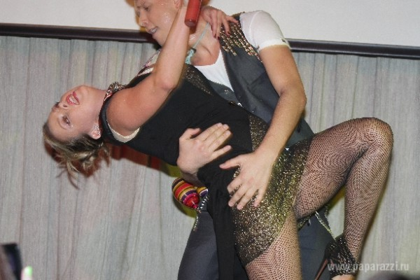 Анна Семенович обожает вечеринки