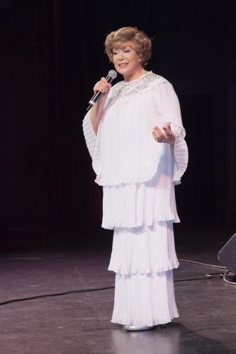 Российская исполнительница Эдита Пьеха