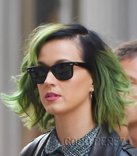 Люди с зелеными волосами