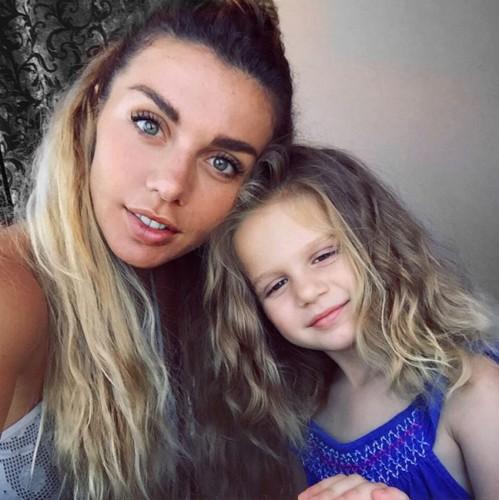 Анна Седокова с дочерью Моникой