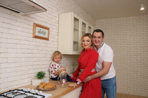 Дядя Жора с женой и младшей дочерью