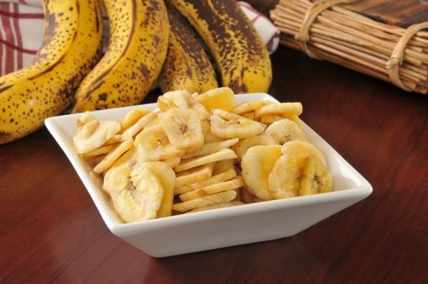 Запеченные банановые чипсы