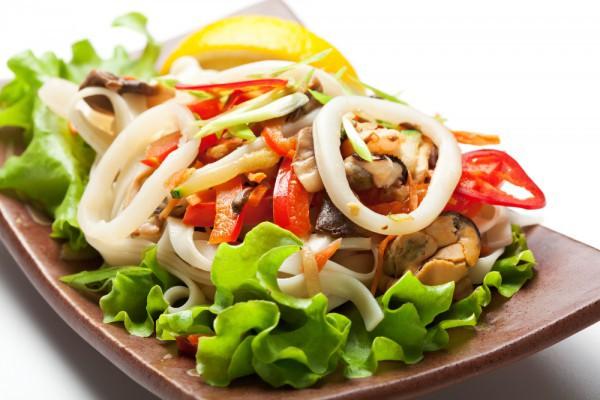 Рецепты салатов с кальмарами вкусные