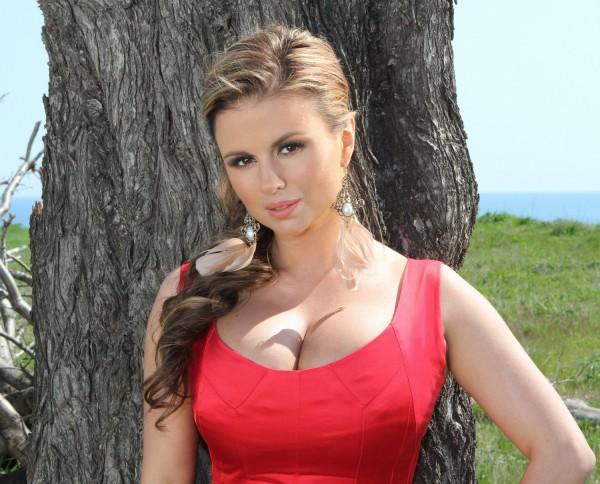 Российская певица Анна Семенович