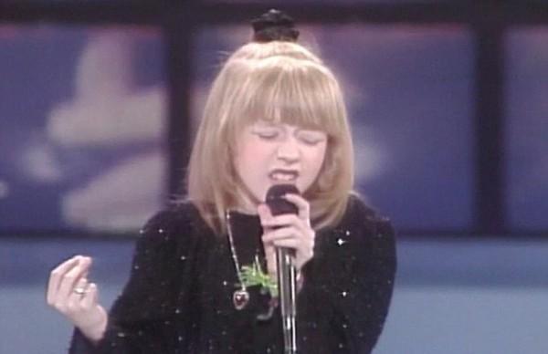 Кристина Агилера приняла участие в конкурсе талантов Star Search когда ей было всего 10 лет