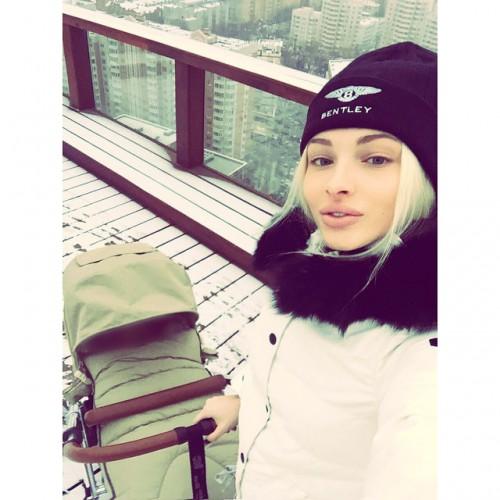 Елена Шишкова рассказала о своем отношении к материнству
