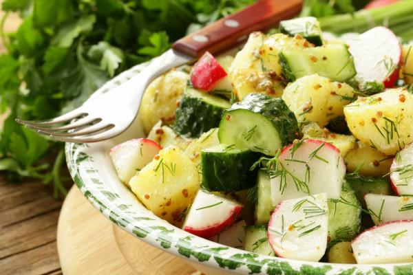 Рецепт                  Салат из молодого картофеля и редиса с горчичной заправкой