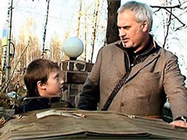 Валерий Меладзе гуляет с сыном от Альбины Джанабаевой