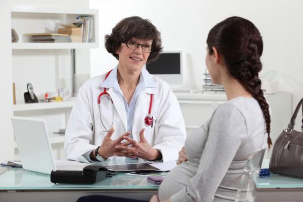 У беременных, которые вхоодят в группу риска по развитию резус-конфликта, регулярно берут анализ крови на исследование