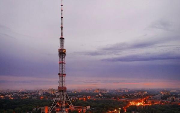 В Киеве горели кабеля телебашни