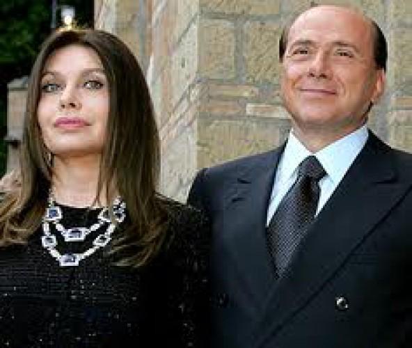 Сильвио Берлускони и Вероника Ларио развелись