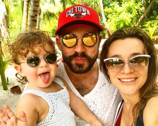 Андрей Бедняков с семьёй фото