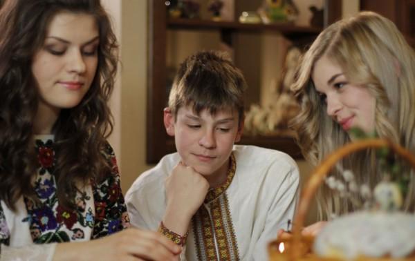 Дети Олега Тягнибока готовятся к праздникам