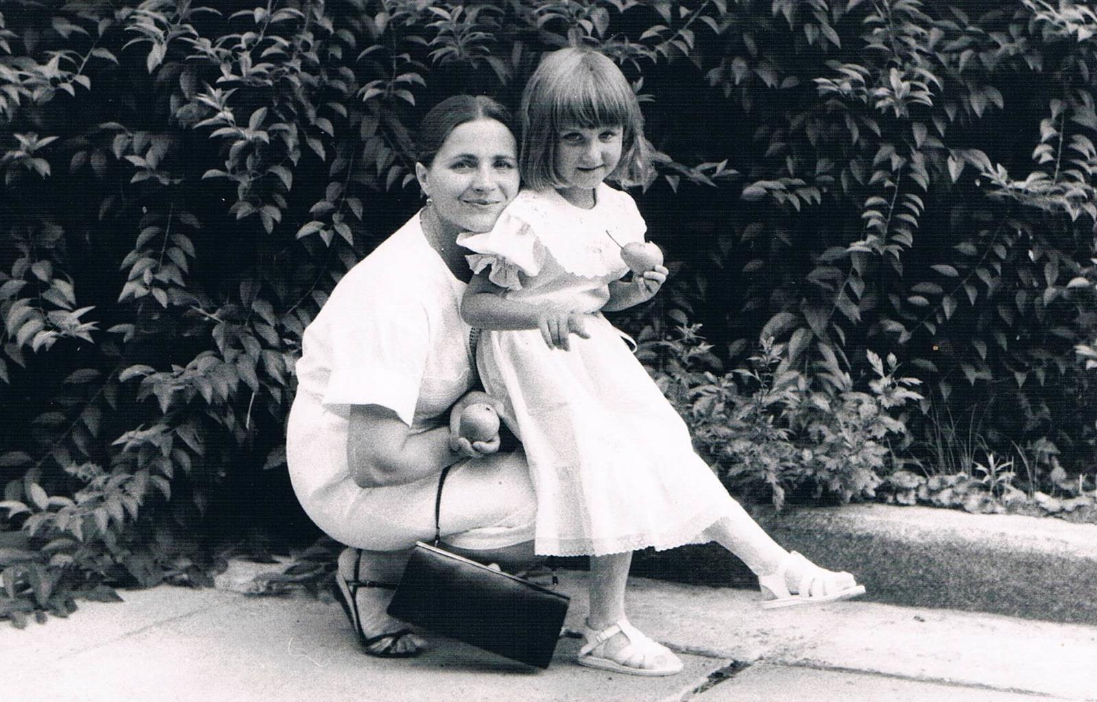 Тоня Матвиенко поздравила свою маму с Днем матери