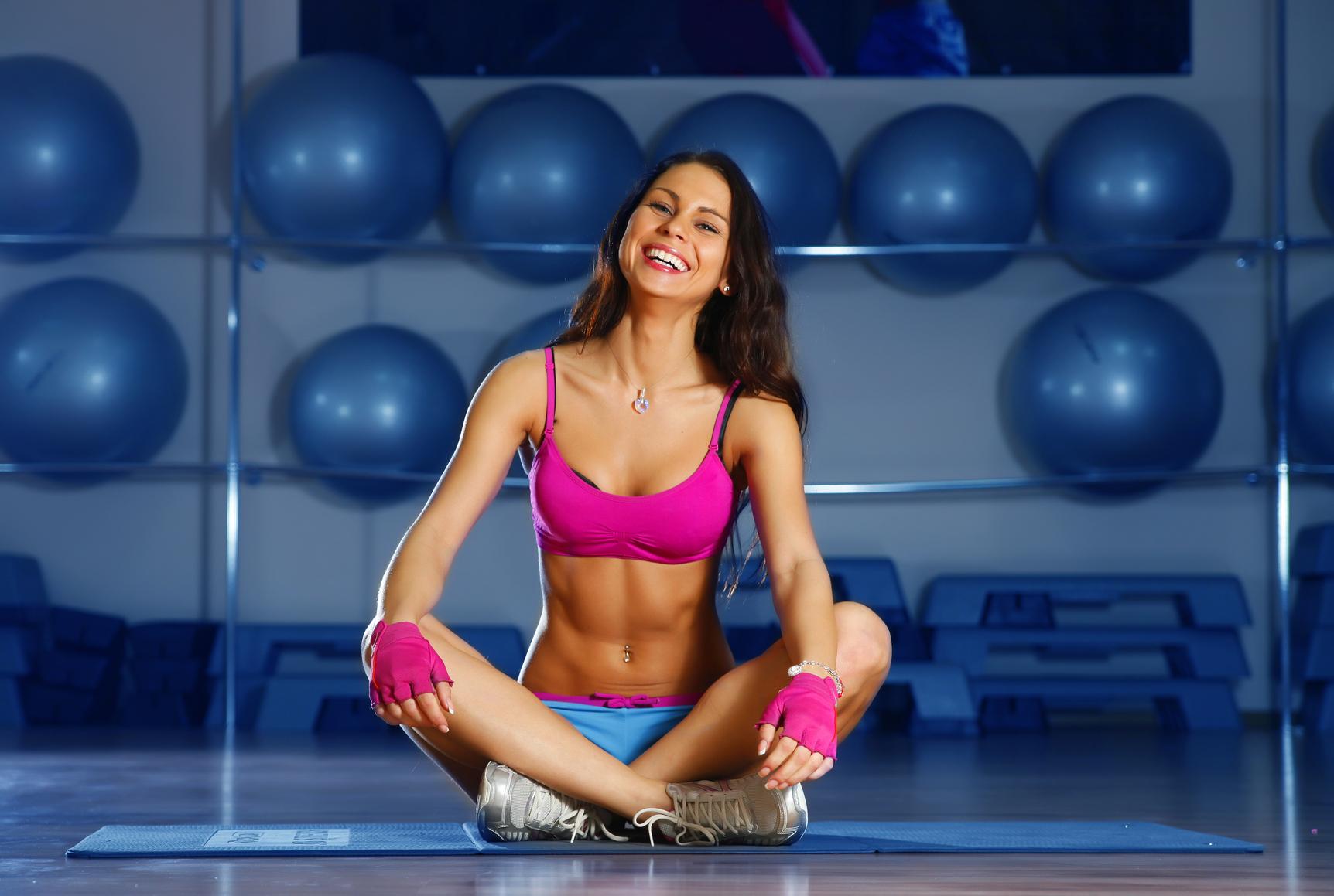 Как выровнять осанку упражнения