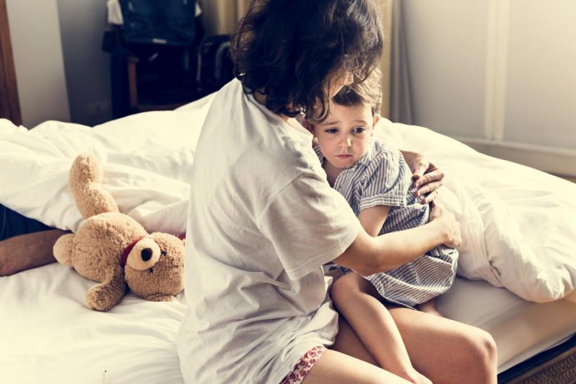 Разыграйте с ребенком ситуацию, в которой его любимая игрушка вмешивается в сон и меняет его
