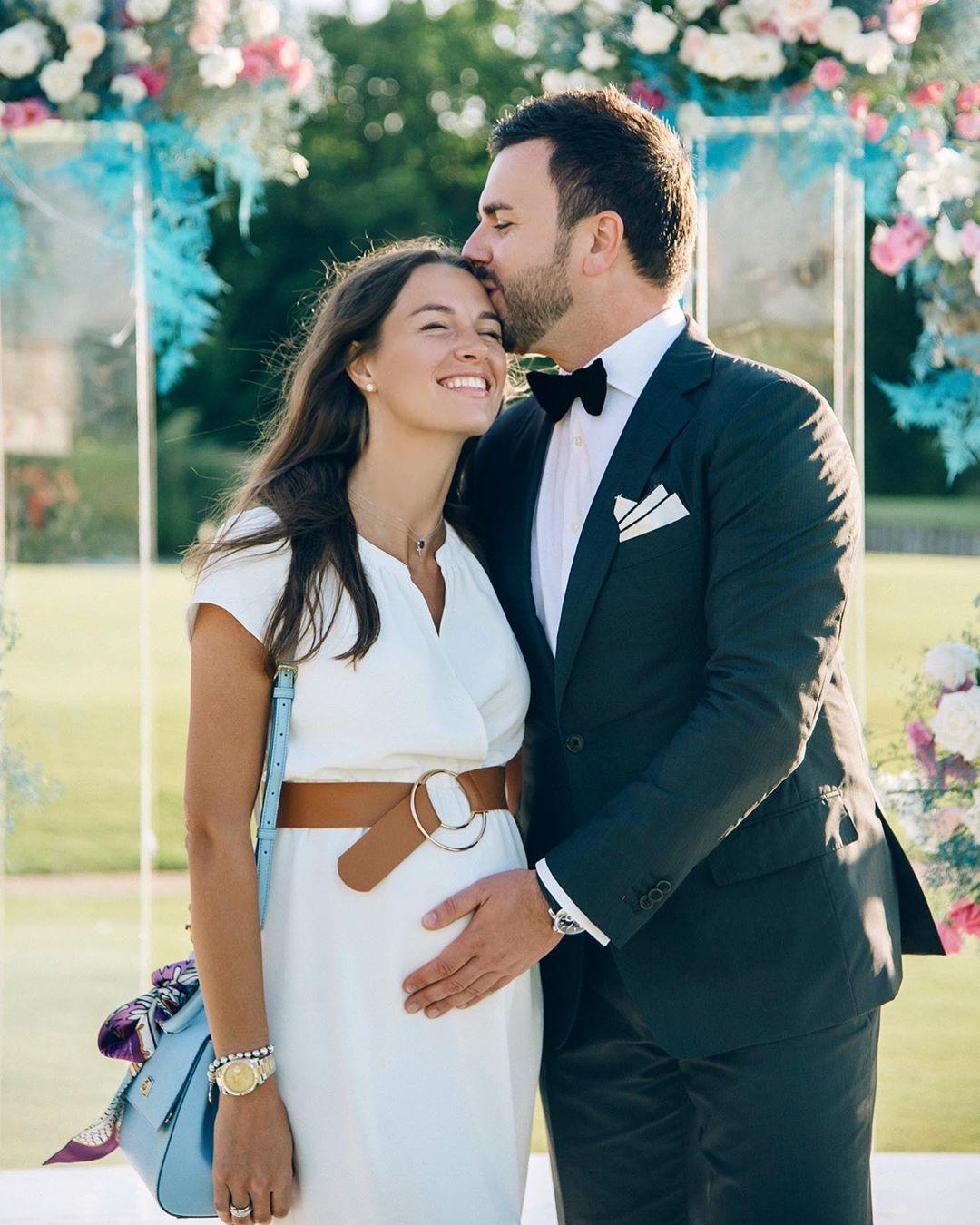 Беременная Кристина Решетник поделилась милым фото с мужем