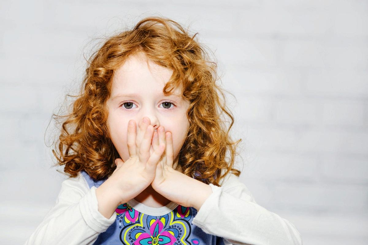 Ребенок, которого слишком опекают родители, может не видеть необходимости в том, чтобы заговорить