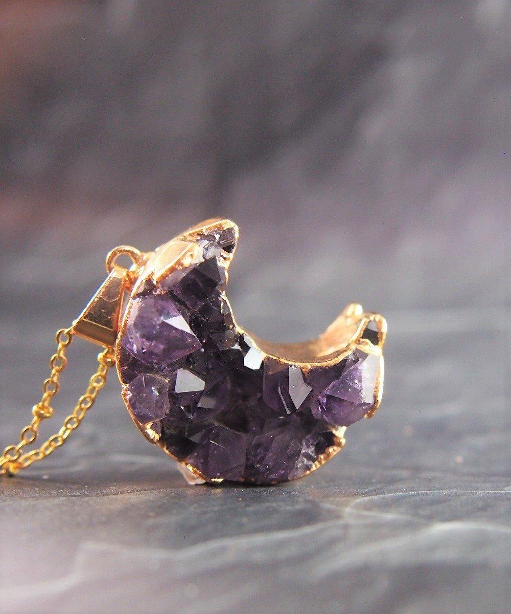 Магическое значение драгоценных камней: аметист