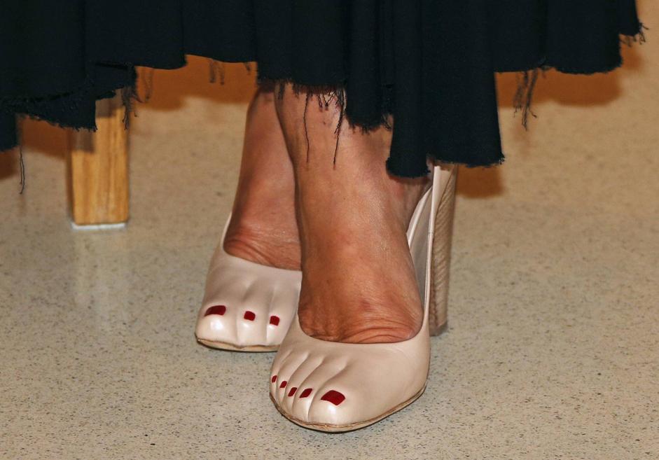 Туфли с педикюром – творение дизайнера Celine Фиби Фило