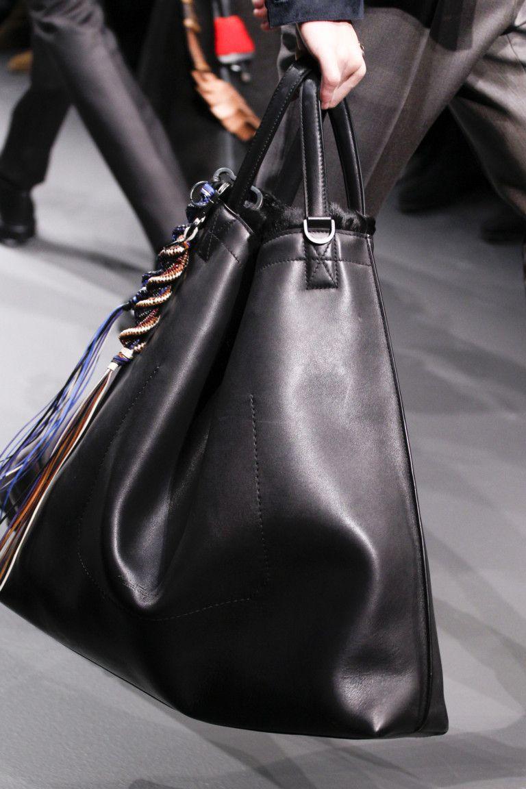 Необычные модные сумки на весну-лето 2020: Мешок