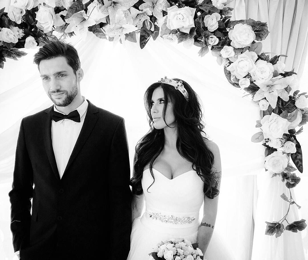 Кензов женился