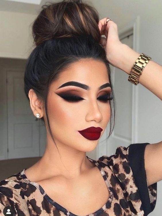 ТОП-5 бьюти-ошибок в макияже, которые дешевят образ