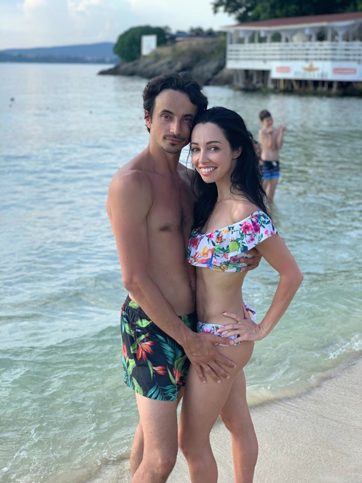 Екатерина Кухар отдохнула с мужем в Болгарии - фото