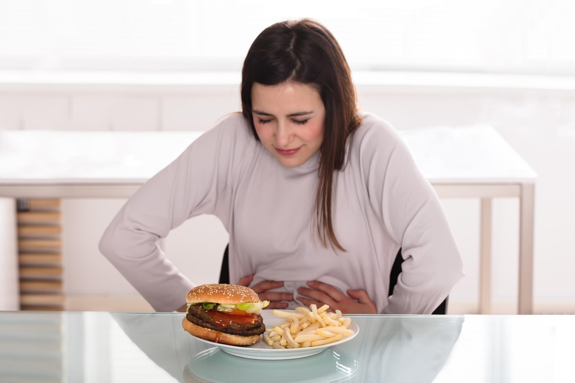 Пищевое отравление: как распознать и что есть после?