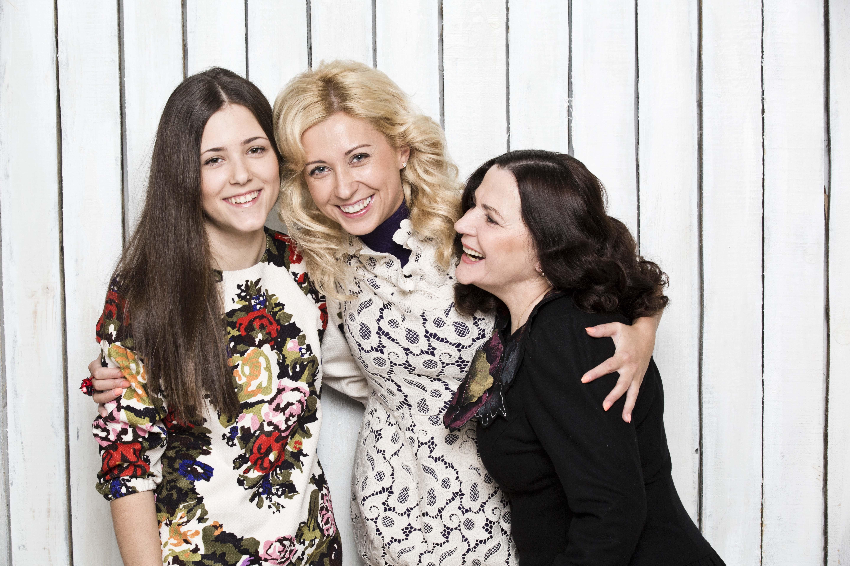 Тоня Матвиенко с мамой и дочкой