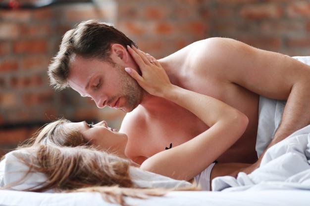 Как сказать партнеру о своем желании заняться сексом