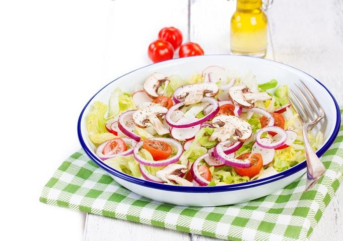 рецепты простых салатов с гренками