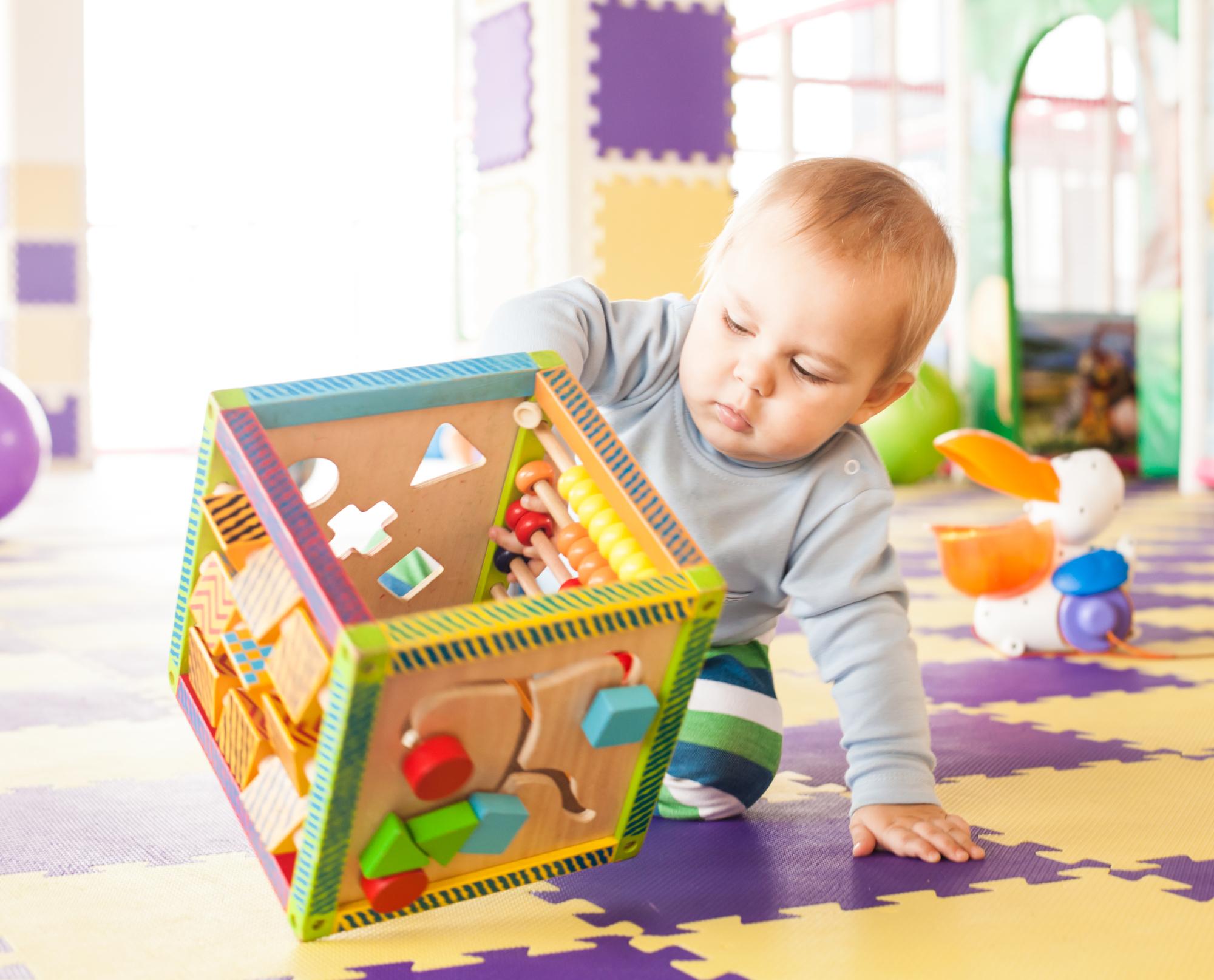 Доктор Комаровский рассказал, что следует знать о развивающих игрушках