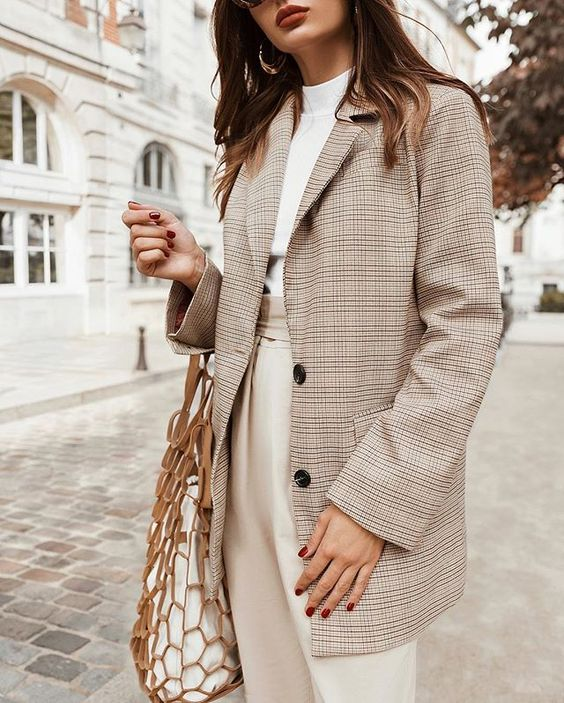 Трендовая модель - удлиненный пиджак