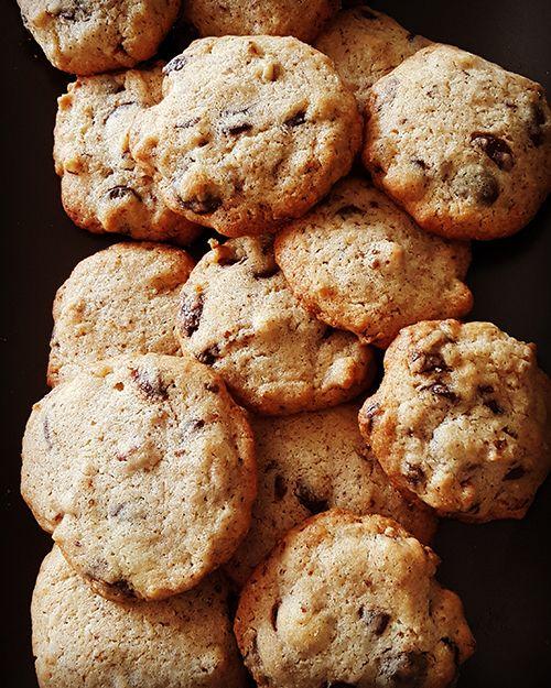 Постное шоколадно-ореховое печенье: видеорецепт