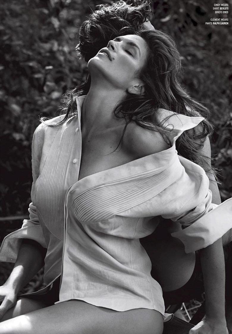Супермодель Синди Кроуфорд стала участницей откровенной фотосессии для V Magazine