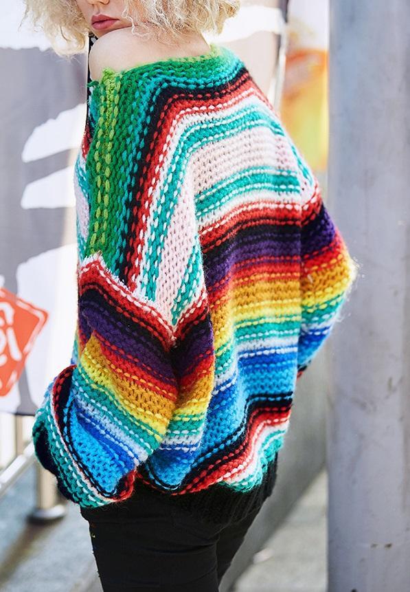 Неактуальные модели свитеров зимой 2019/20: разноцветный