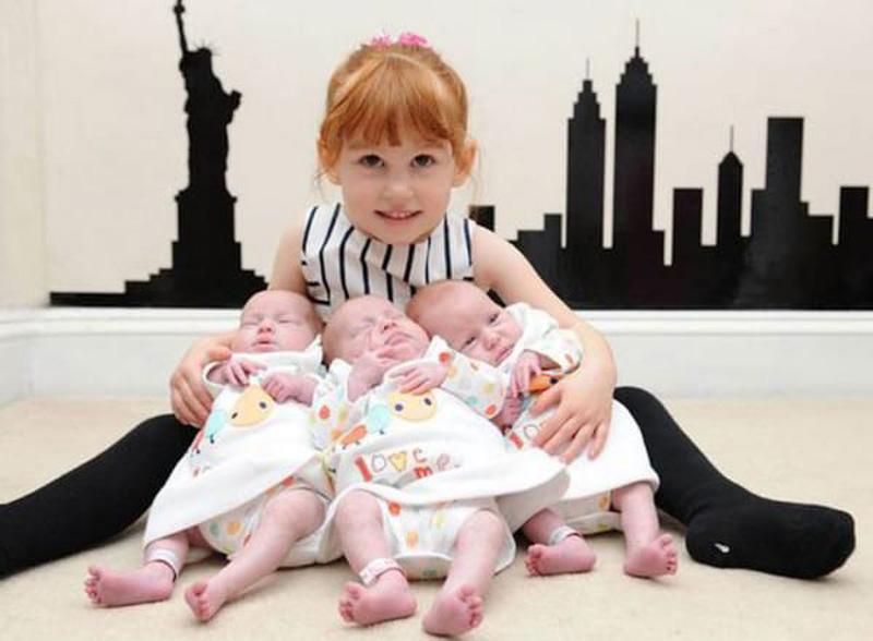 Старшая дочь Карен вместе с сестричками