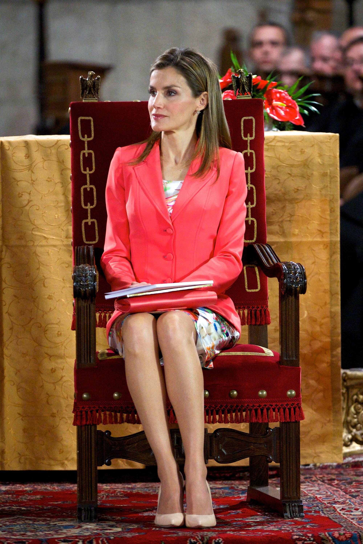Яркие цвета занимают не последнее место в королевском гардеробе Летиции