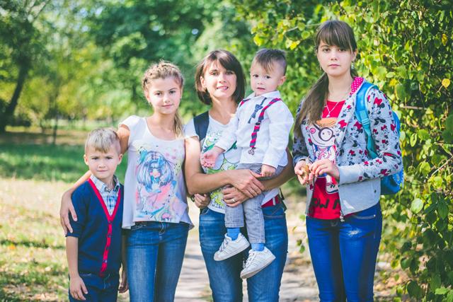 Катя Бибик с детьми