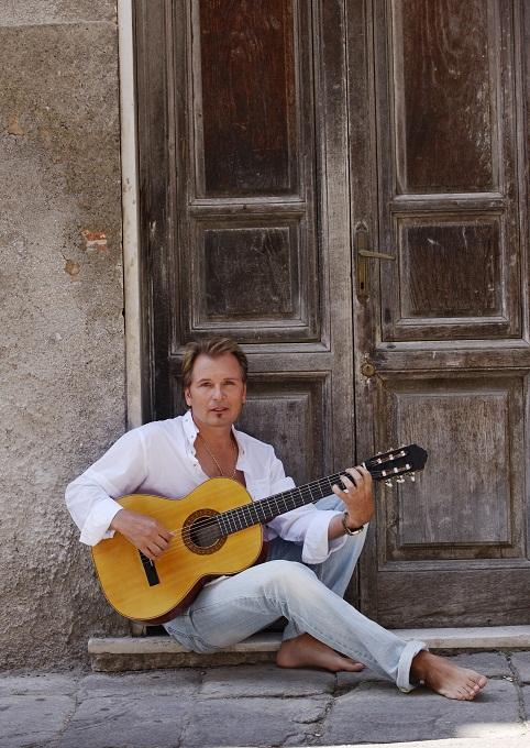 Российский музыкант Александр Малинин