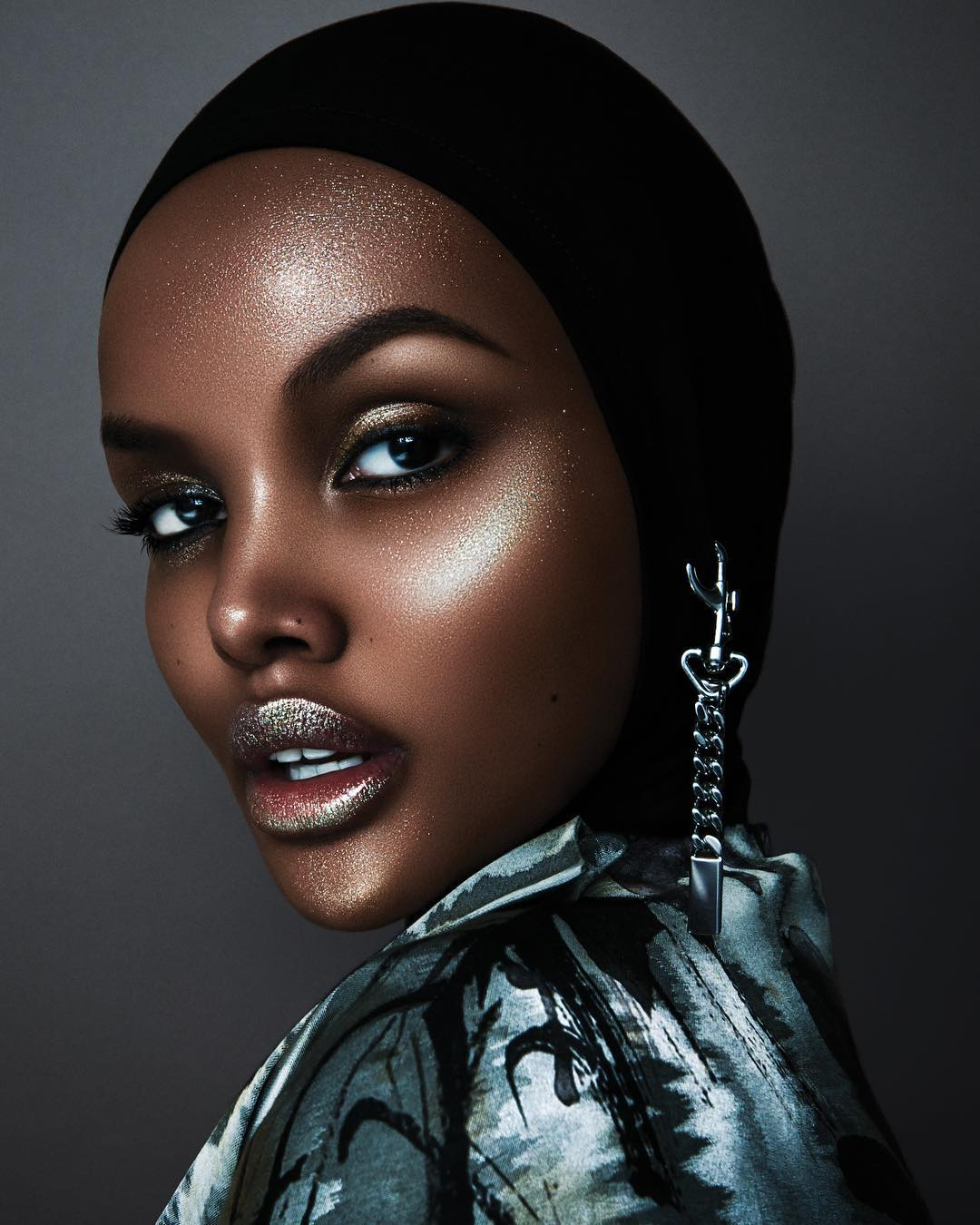 Модель из Кении снялась для глянца в купальном костюме мусульманок