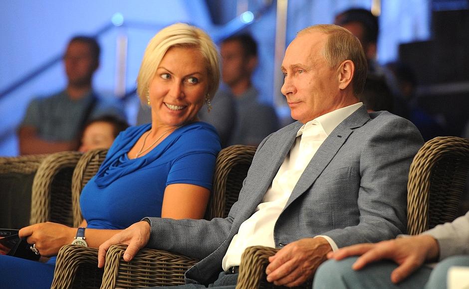 Наталья Рогозина и Путин встречаются?