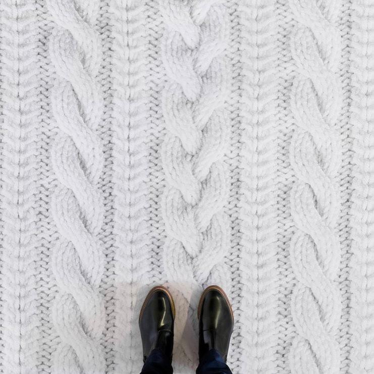 Покрытие, стилизированное под вязку спицами
