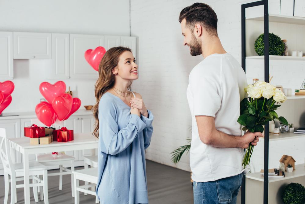 На свидание можно пригласить в ресторан или на вечеринку