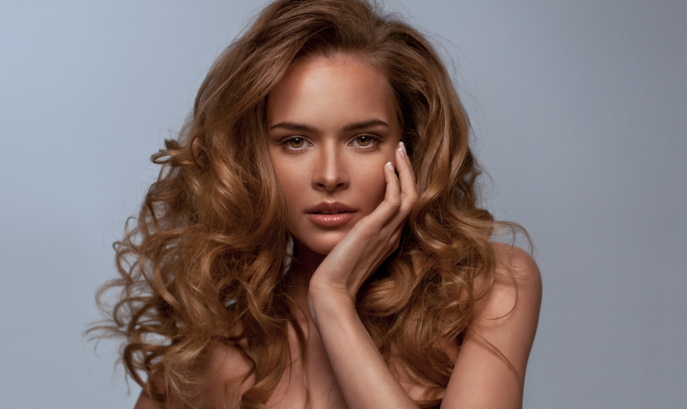 Правильная стрижка добавит волосам дополнительного объема