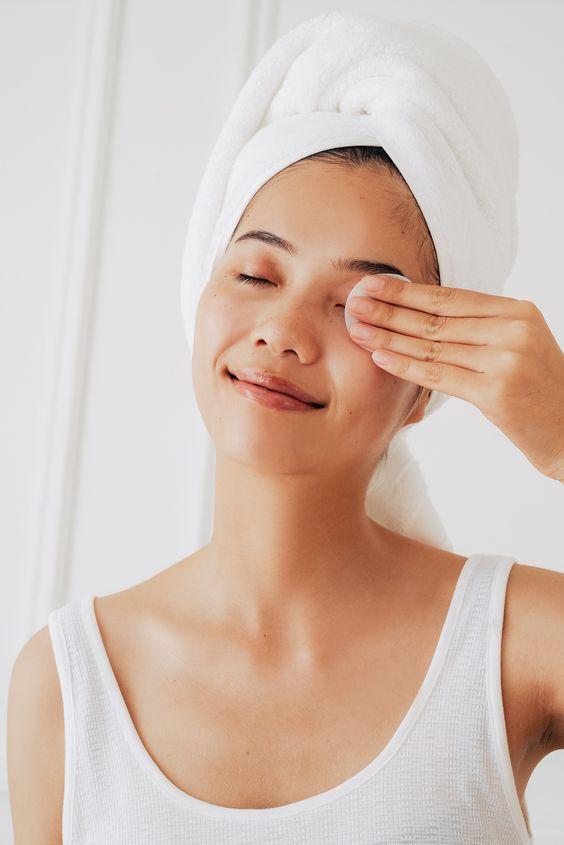 Как восстановить кожу после зимы: 5 советов, которые работают